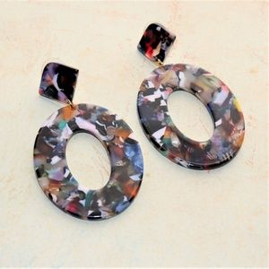 Jewelry - Dangle Drop Tortoise Colorful 80's Style Earrings